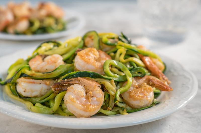 Receta de espaguetis de calabacín con gambas al ajillo - Agroponiente